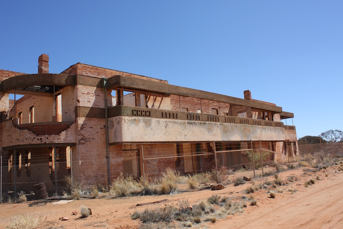 Big Bell hotel ruins.