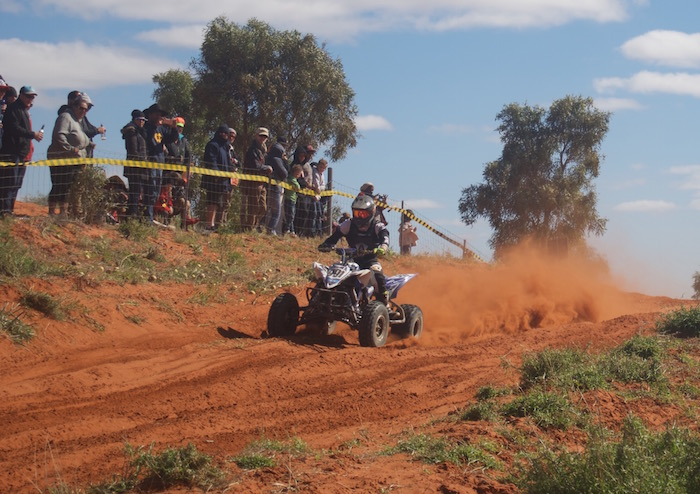 Quad racing to Finke.