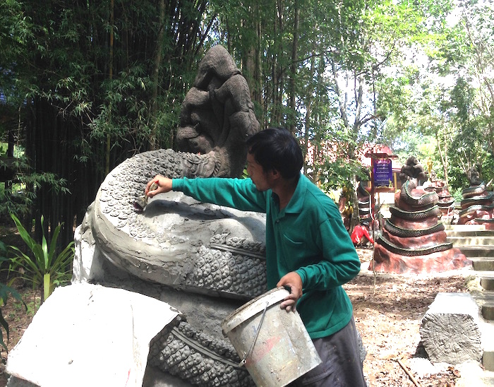 Craftsman at Wat Tham Sri Mong Khon