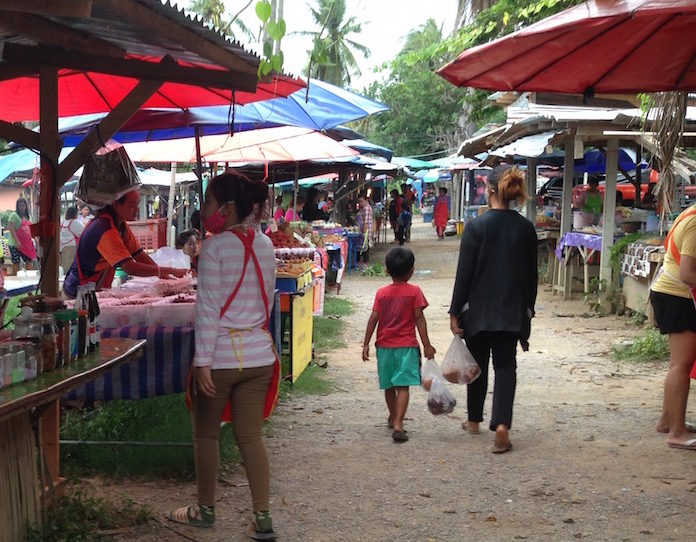Markets at Sam Roi Yot.
