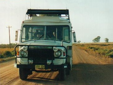 The Bus on the road from Wentworth to Renmark