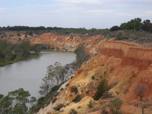 Red cliffs upriver from Renmark.