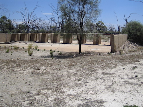 Concrete structure near Renmark of unknown purpose