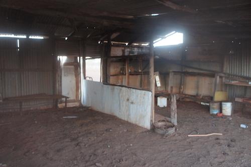 Abandoned shed at Pingandy.