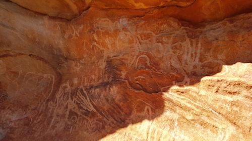 Mundee petroglyphs.