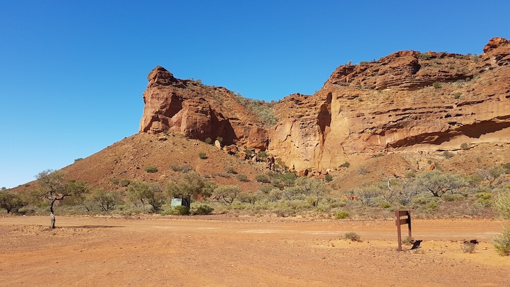 The approach to Drapers, Honeycomb and Temple Gorges on the eastern side of the Kennedy Ranges.