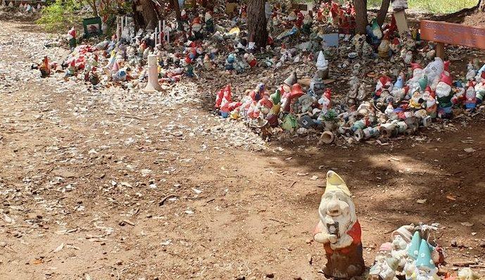 Gnome alley