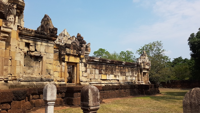 A side wing of the temple.