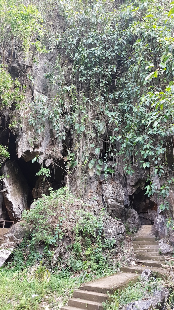 Entrance to Tham Chang Cave.