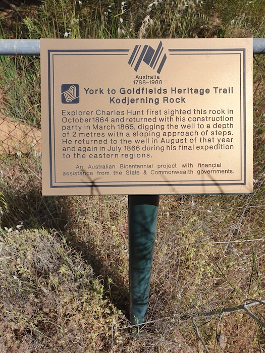 Bicentennial plaque at Kodjerning well.